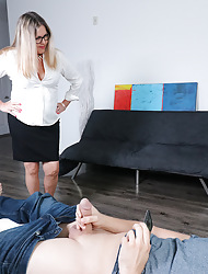 Doyen nympho Claire sucking a youthful radiate weasel words