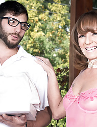 Be beneficial to starters, Cyndi fucks chum around with annoy application schoolboy